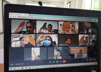 วันที่ 13 สิงหาคม 2564 ประชุมคณะกรรมการดำเนินการ ชุดที่ 19 ครั้งที่ 7/2564ผ่านระบบ google meet โดยมีว่าที่ร้อยตรีจารุวิทย์ สาระเดโช เป็นประธานในการประชุมพร้อมด้วย พ.อ.อ.ดร.ประพัฒน์พงษ์ พรพิมลและเจ้าหน้าที่สหกรณ์ร่วมประชุมในครั้งนี้